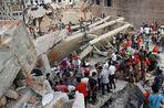 Спасатели обнаружили девять человек, которые пролежали под обломками обрушившегося здания в...