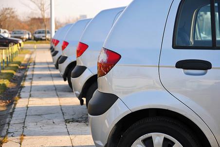 Автопродажи в Европе из-за негативных тенденций в экономике резко сокращаются