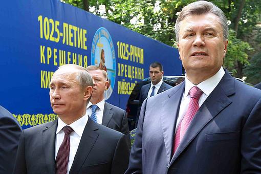 Владимир Путин и Виктор Янукович во время молебна, посвященного празднованию 1025-летия крещения Киевской Руси