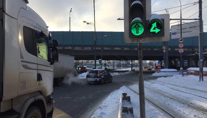 В российской столице после зимы отмыли 6 тыс. светофоров