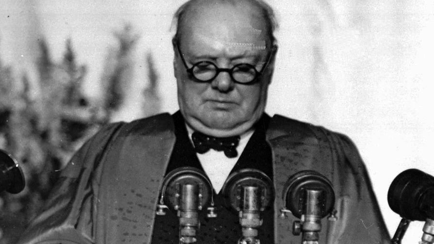 Уинстон Черчилль произносит знаменитую Фултонскую речь. 5 марта 1946 года