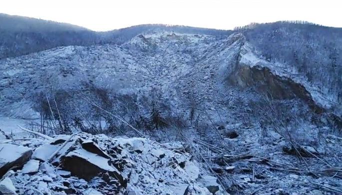 Метеорит непадал. Оползень оказался предпосылкой обрушения грунта под Хабаровском