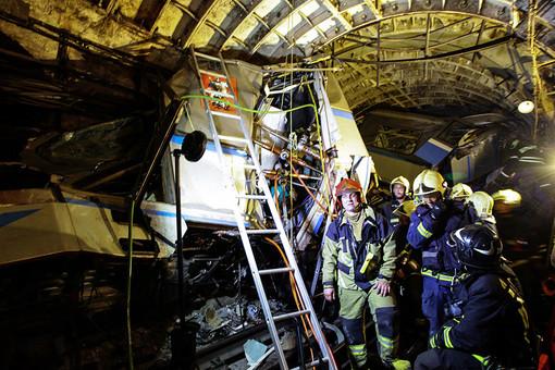 На месте аварии в тоннеле между станциями «Славянский бульвар» и «Парк победы»
