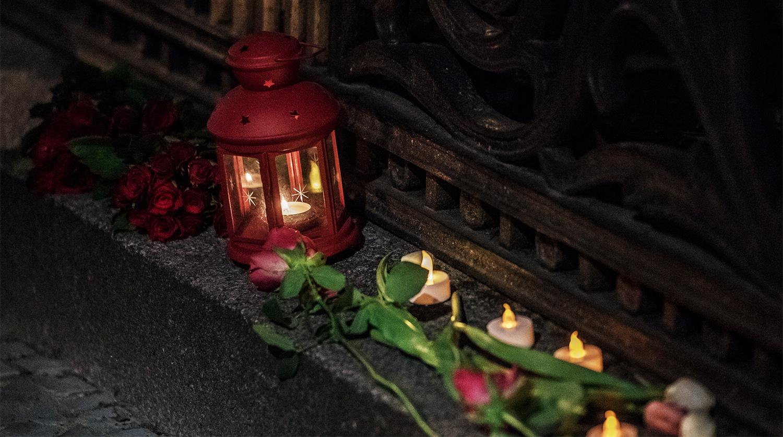 Цветы, свечи и мягкие игрушки в 48