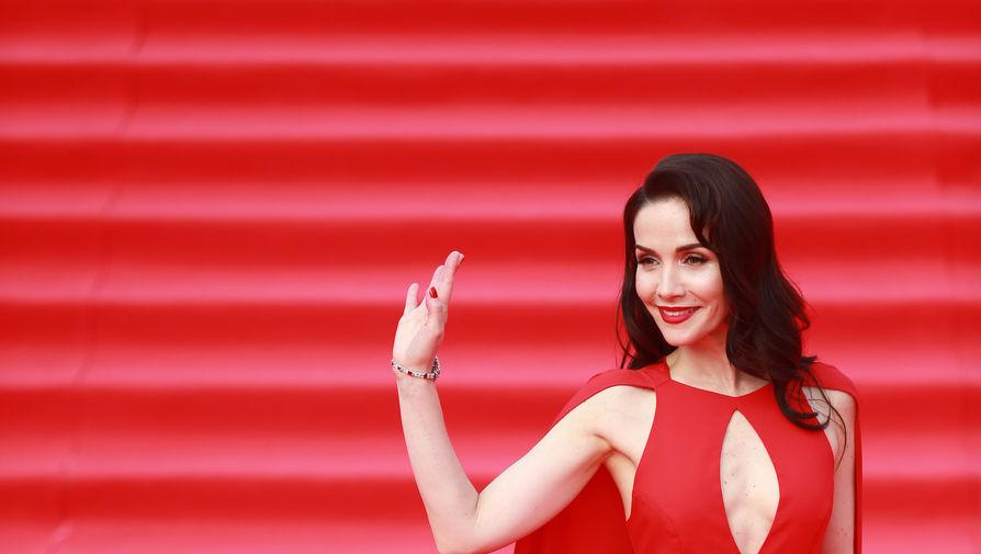 Наталия Орейро исполнила в столице песню Чебурашки