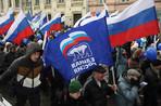На Дворцовой площади Петербурга, где сегодня проходил митинг «Единой России», задержаны от 20 до 30...