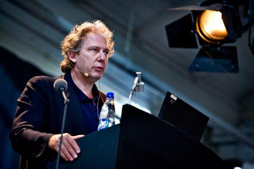 Профессор Ричард Бердетт, глава конференции Urban Age