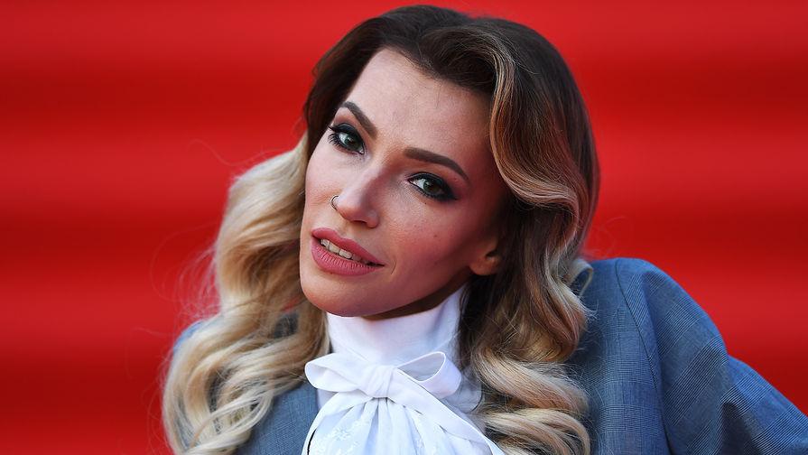 Юлия Самойлова будет выступать наЕвровидении в«платье-гора»