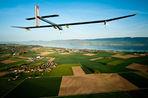 Самолет на солнечных батареях Solar Impulse отправился в первый полет с Западного на Восточное...
