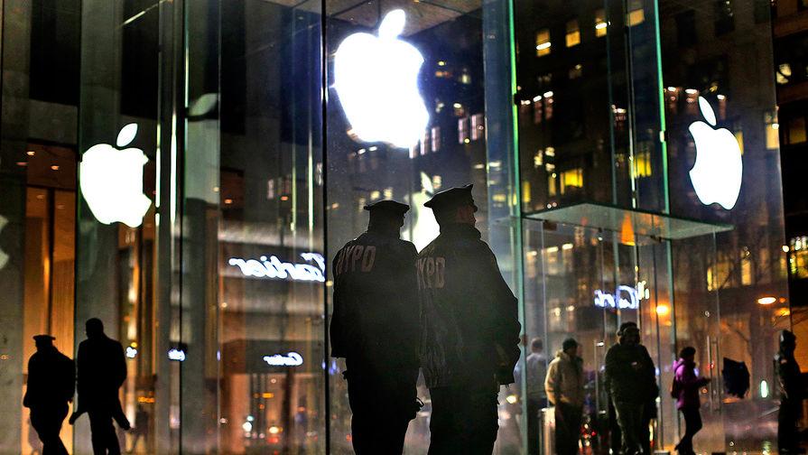Apple заставляют расшифровать смартфон стрелка из Сан-Бернардино