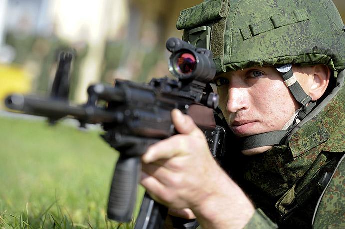 Презентация новой боевой экипировки для военнослужащих Сухопутных войск, 2012 год