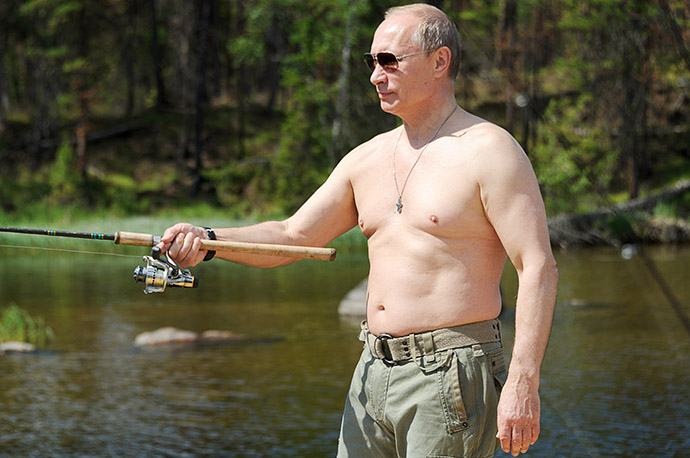 Владимир Путин во время рыбалки в одном из национальных заповедников Тувы, 2013 год