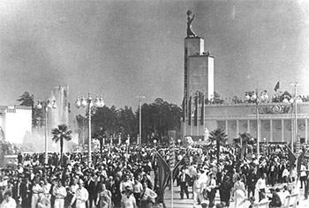 Перед распадом СССР каждая республика верила, что, если избавиться от прожорливых собратьев по империи, жизнь мигом наладится
