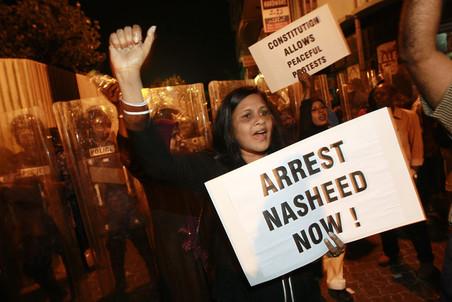 Отставка Мохаммеда Нашида стала реакцией на восстание сотрудников полиции