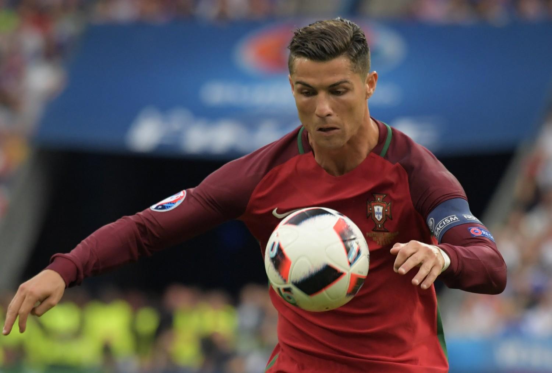 Роналду забивает два гола и разочаровывает сборную Латвии