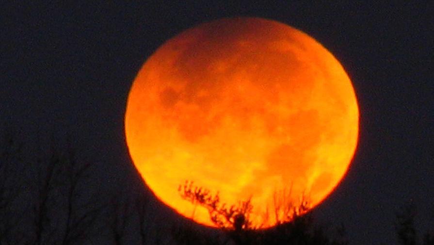Москвичи смогут наблюдать полное лунное затмение рано утром 28 сентября