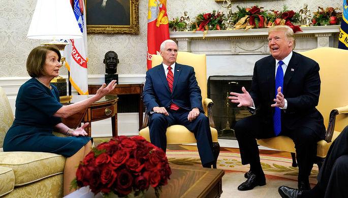 Лидер демократов в Палате представителей США Нэнси Пелоси вице-президент Майк Пенс и президент