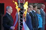 Владимир Путин ответил на вопрос о том, кто зажжет чашу с олимпийским огнем