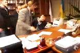 Националисты выбили из главы Первого телеканала Украины заявление об увольнении