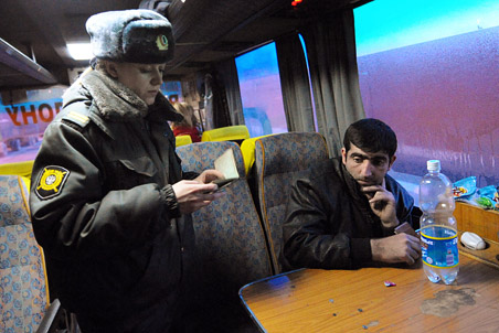 FSB to create massive domestic passenger database by July 1 2013 — Gazeta.Ru