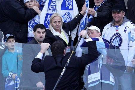 Главный тренер «Витязя» Андрей Назаров повернулся к болельщикам лицом