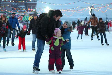 К 1 декабря Москва порадует детишек новыми катками