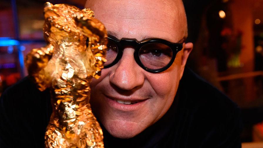 Режиссер Джанфранко Роза с главной наградой Берлинского кинофестиваля. 20 февраля 2016 года