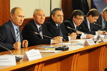 Владимир Путин на заседании координационного совета Объединенного народного фронта