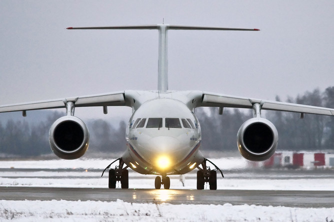 ВВоронеже вовремя испытательного полета уАн-148 отказал мотор
