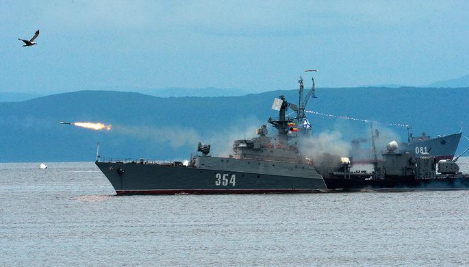 Научениях «Морское взаимодействие» военные отработали спасение терпящей бедствие подлодки