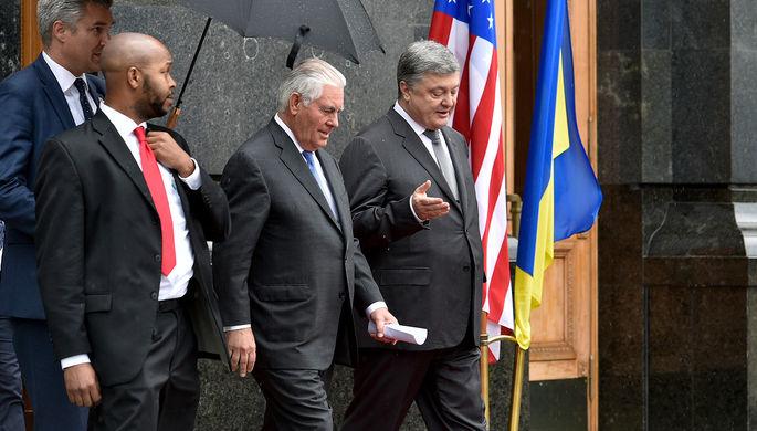 Порошенко иТиллерсон спланировали последующие действия поразвертыванию миссии ООН вДонбассе