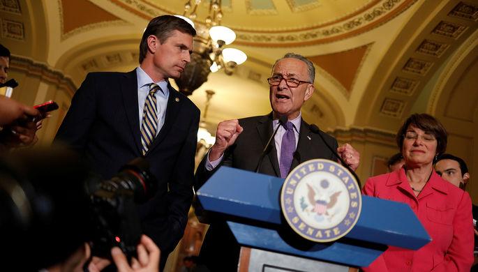 Лидер демократов вСенате США сравнил Белый дом сжеле