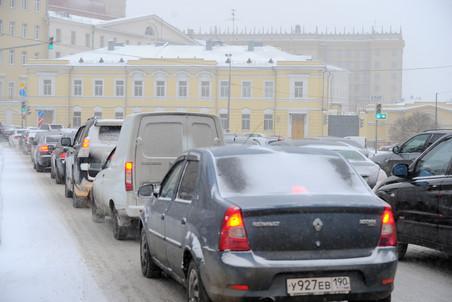 Средние скорости автомобилей в Москве упали на 15%