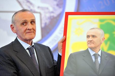 Соратник первого президента Абхазии застрелился из-за расследования покушения на Анкваба