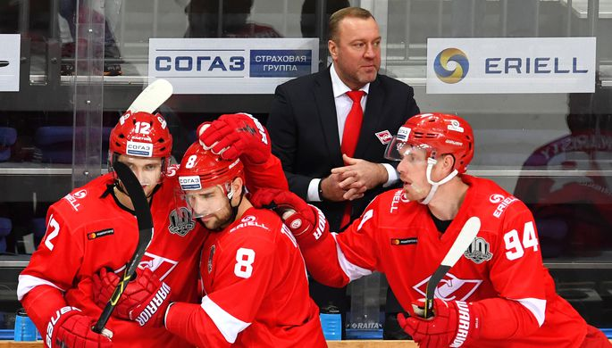 Столичный «Спартак» победил «Нефтехимик» вматче стабильного чемпионата КХЛ