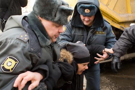 Противостояние в Большом Козихинском переулке дошло до драки