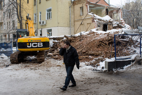В Большом Козихинском переулке возобновился снос дома № 25