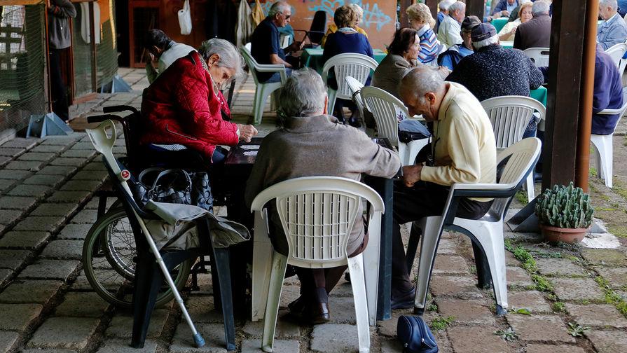 ВПФР поведали омассовом оттоке пожилых людей заграницу