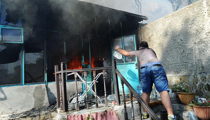 МЧС: Около 100 человек эвакуированы всвязи спожаром вцентре Ростова
