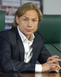 http://img.gazeta.ru/files3/741/2933741/karpin320.jpg