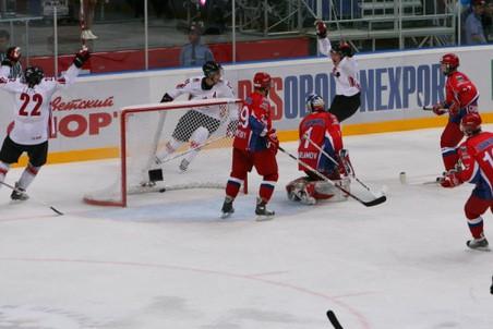 Молодежные сборные России и Канады проведут суперсерию