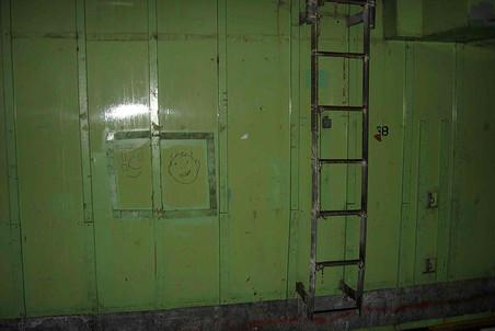 По таким внешне безобидным рисункам курьеры наркодельцов ориентируются внутри кораблей, где искать товар