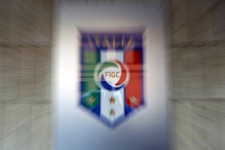 Итальянский футбол сотряс очередной скандал с договорными матчами Читать полностью: http://www.gazeta.ru/sport/2011/09/a_3779753.shtml