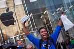 Ажиотаж на новинки от Apple немного спал, в дефиците остался «золотой» iPhone