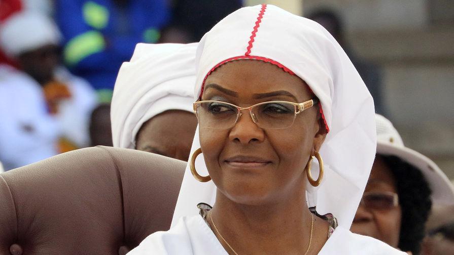 Супруга президента Зимбабве Грейс Мугабе покинула страну после перелома