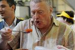 Парламент Дагестана требует лишить депутатского мандата вице-спикера Госдумы Владимира Жириновского