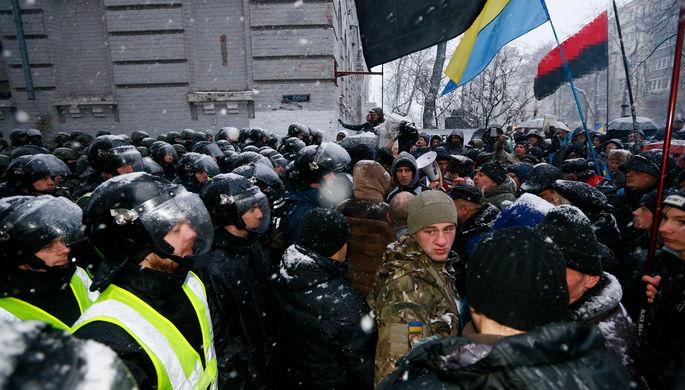 ВКиеве произошли столкновения между полицией и любителями Саакашвили