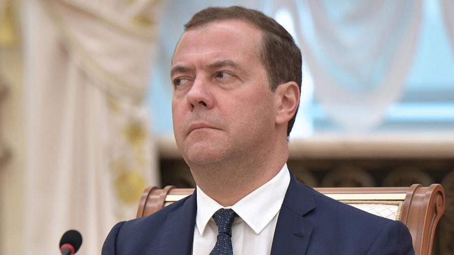 Медведев объявил онеобходимости продления контрсанкций