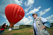 Election commission chief Churov flew to pro-Kremlin camp by balloon