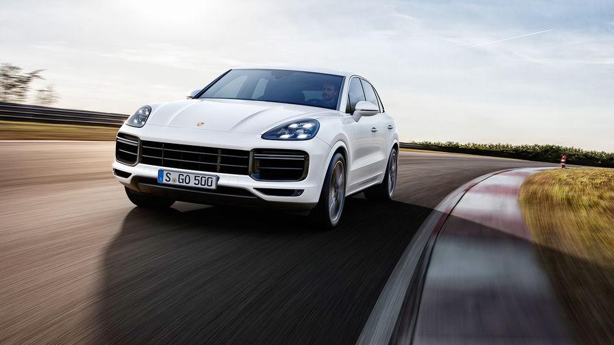 Porsche назвал рублевые цены нановый Cayenne